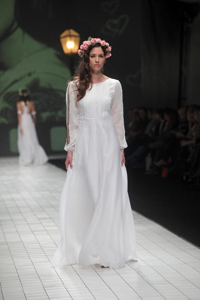 Svatební šaty nyní a před 100 lety 11