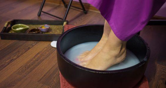 Koupel nohou