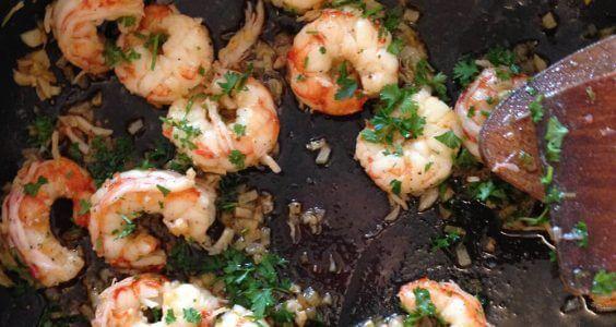 Krevety na másle s česnekem a petrželovou natí 4