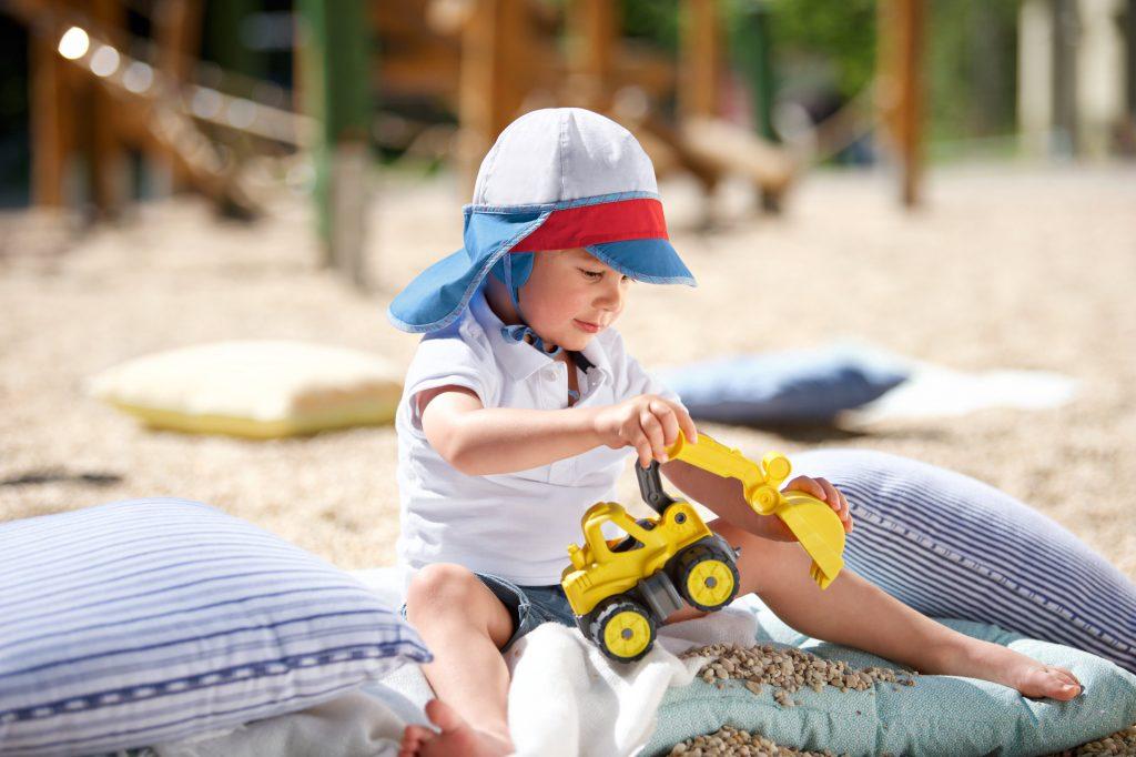 Miminka a děti na slunci, jak je ochránit? 5