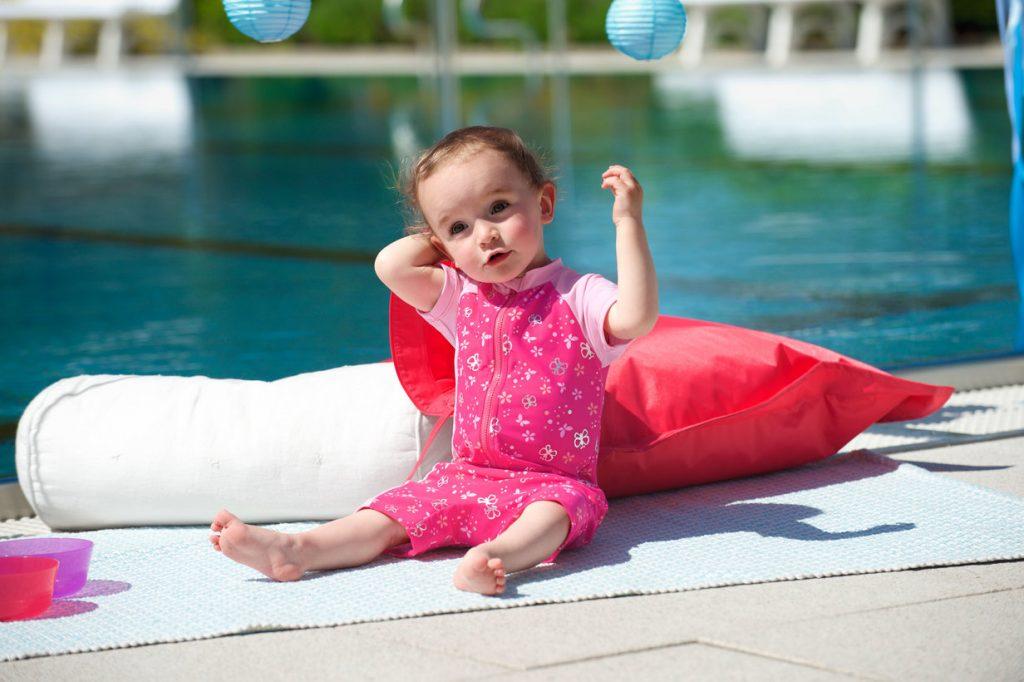Miminka a děti na slunci, jak je ochránit? 7