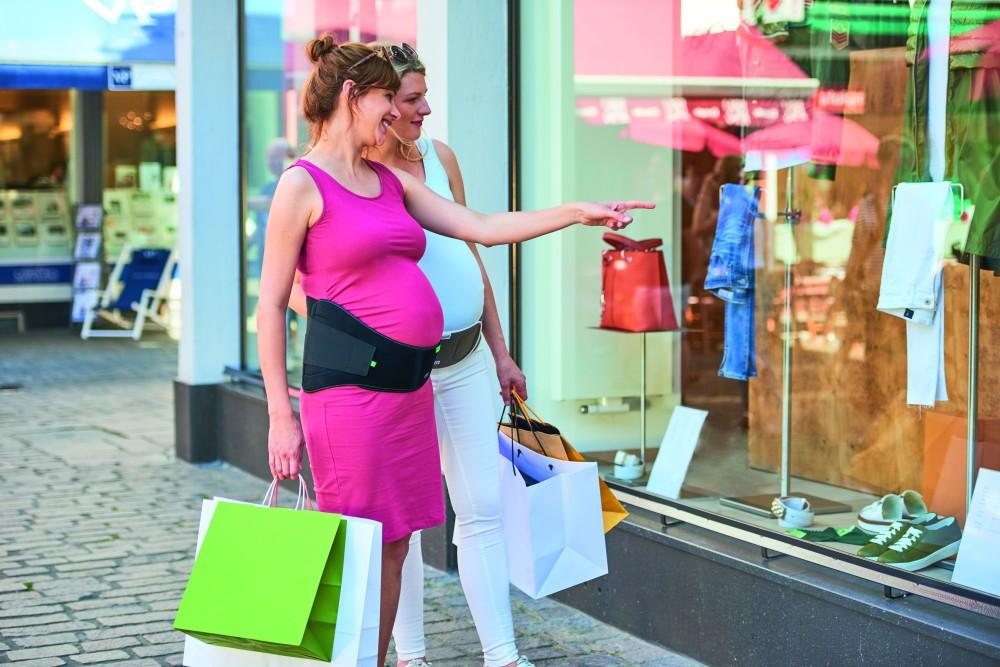 nákupy z těhotenkým pásem Materna