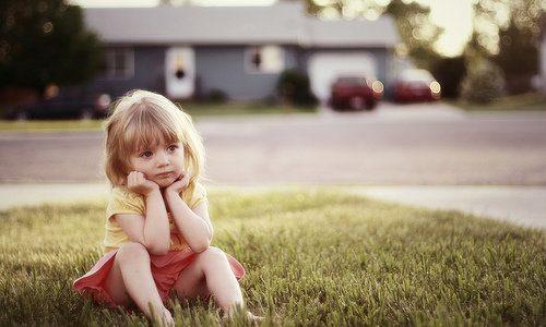 Osamocené smutné dítě