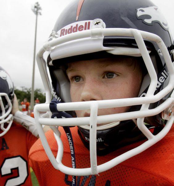 Dětská bezpečností helma na chlapci