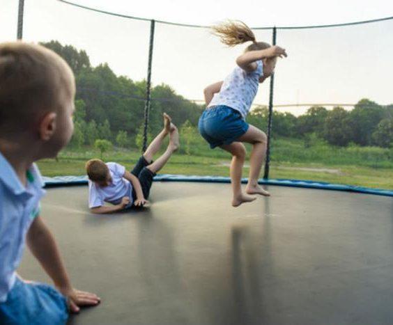 Bezpečně na dětském hřišti