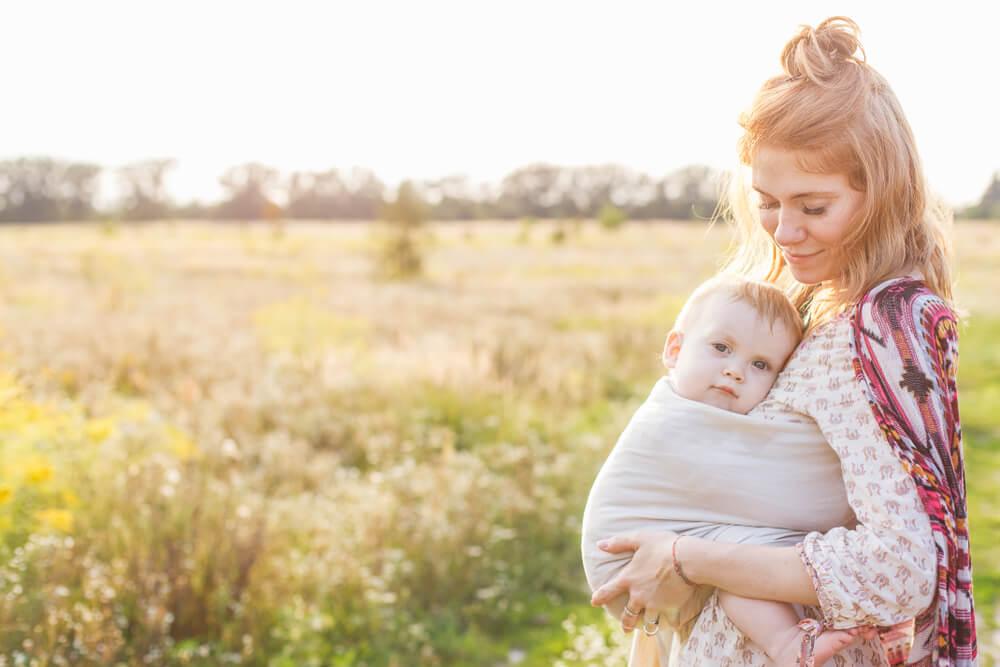 Kouzlo nošení a Happy Baby