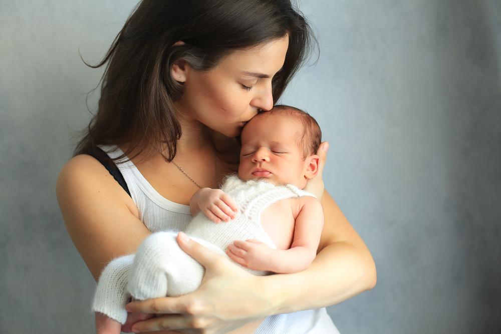Maminka s miminkem po porodu