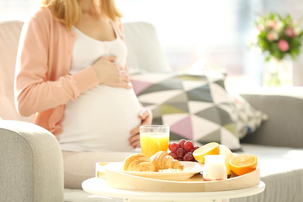 Zdravá snídaně těhotné ženy
